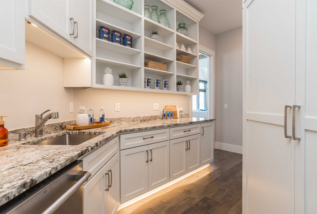 4025 Pine Point Road-Sartell-Pantry