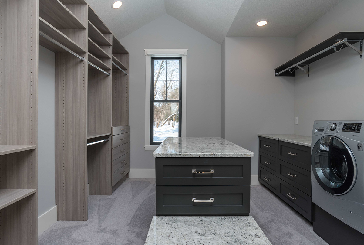 4025 Pine Point Road-Sartell-closet
